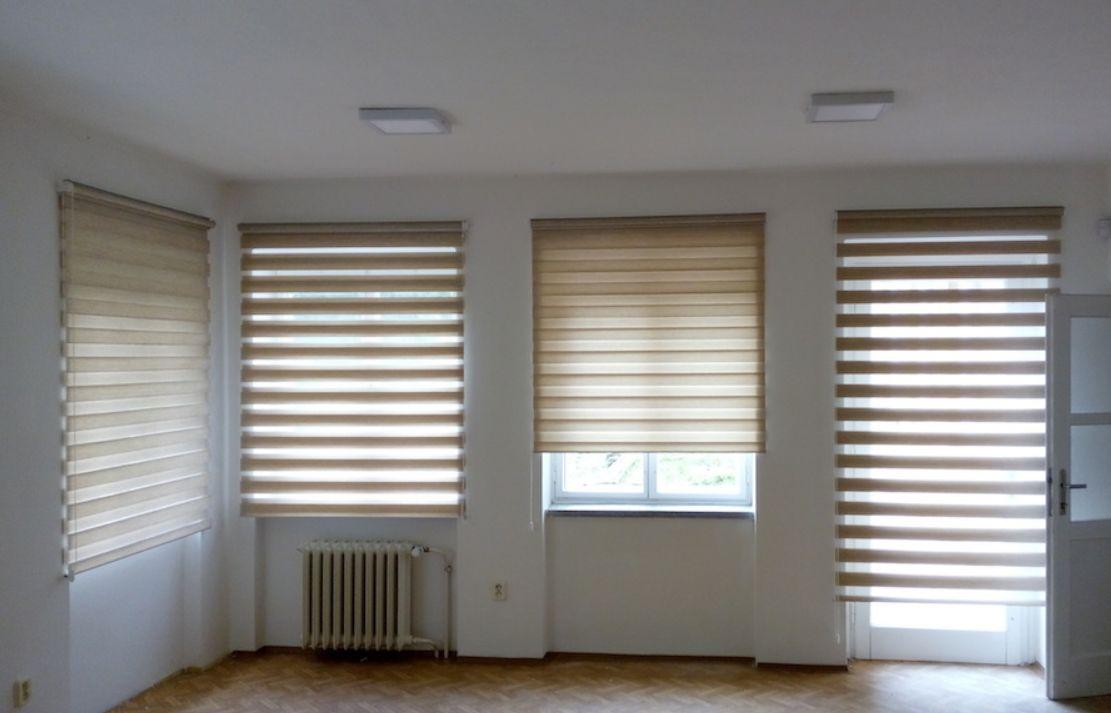 Ukázka uchycení rolety Den Noc ve zdi - ideální pro větší okna