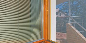 Sítě proti hmyzu do oken i dveří